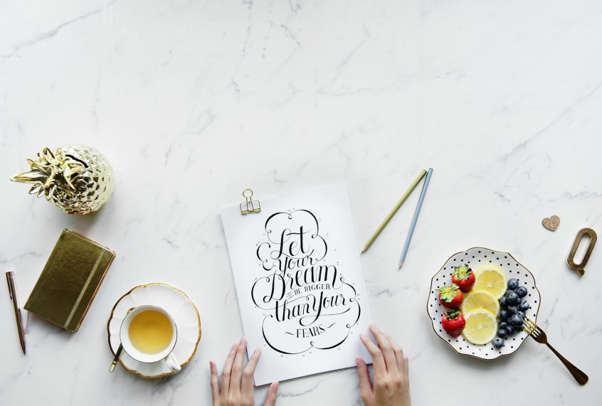 10 Signs That Stationery Is Your One True Love